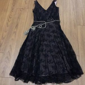 Alexia Admor black lace dress